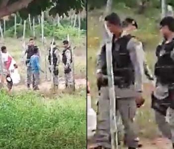 Vídeo flagra policiais agredindo homens em Piaçabuçu — © Reprodução
