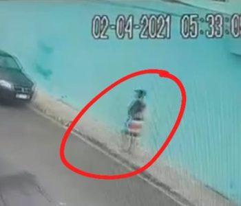 Jovem é flagrado furtando carro estacionado em São José da Laje — © Reprodução