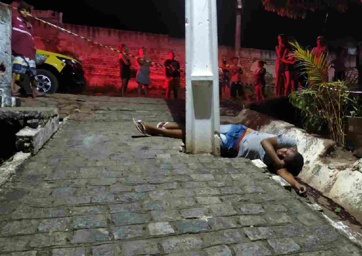 Adolescente foi morto a tiros em São José da Laje — © BR104