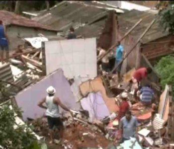 O desabamento destruiu a casa completamente - © Reprodução/TV Gazeta