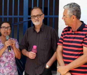 Ex-prefeito Zézinho Ageu com moradores de Ibateguara –© Blog A Palavra
