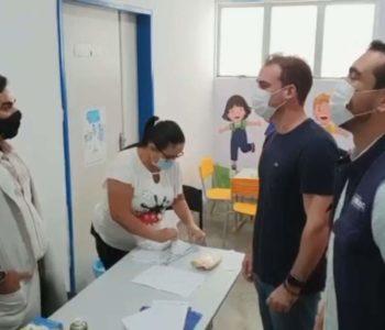Olava Neto e Remi Filho visitando a CDM de Murici –© Assessoria/Murici