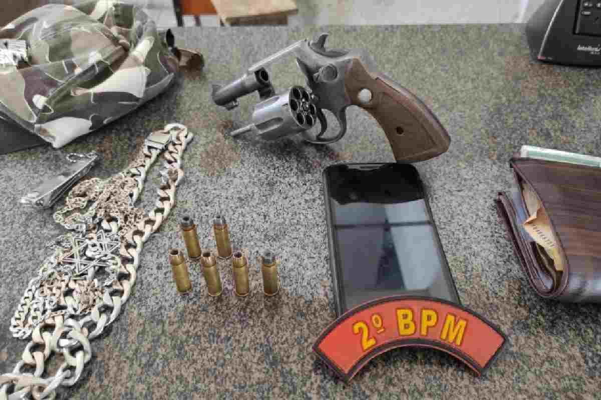 Material apreendido pelos militares do 2º BPM em Santana do Mundaú — © PMAL