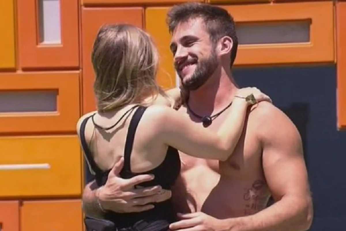 Carla Diaz e Arthur — ©Foto: Rede Globo