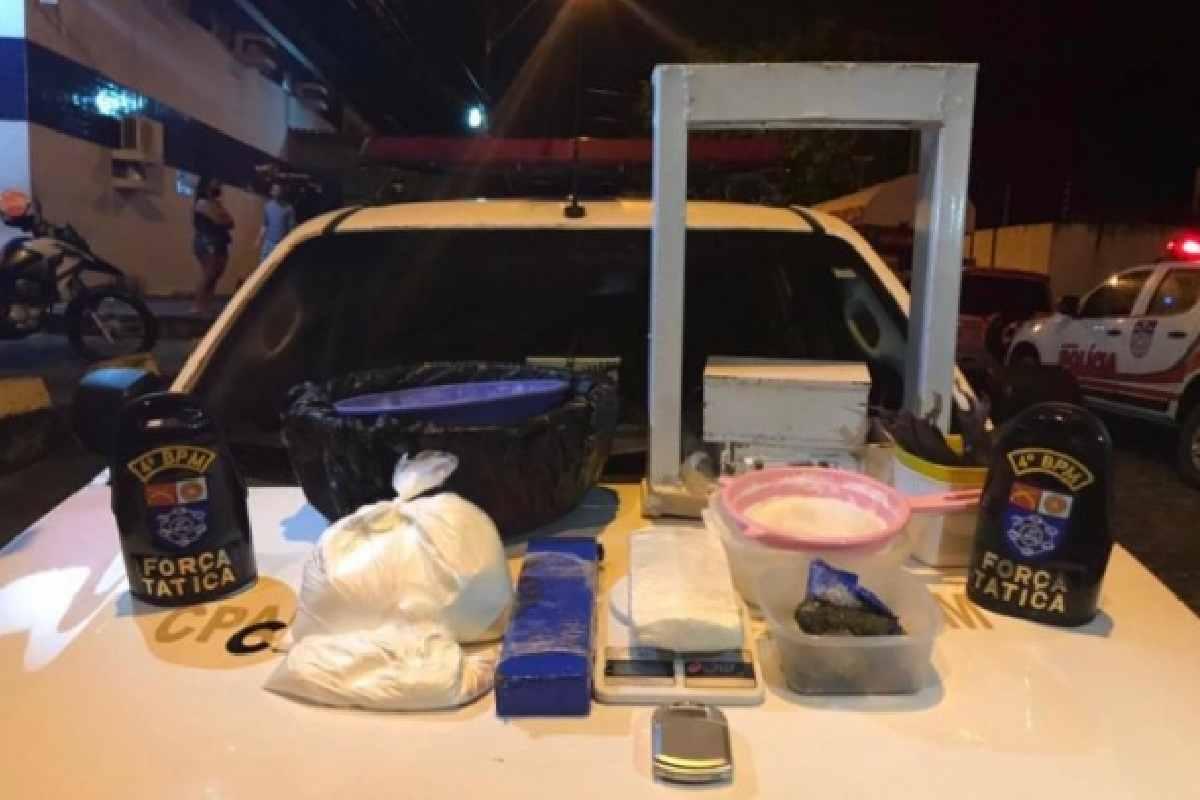 Material foi apreendido em vila localizada no bairro Santo Amaro   © PMAL