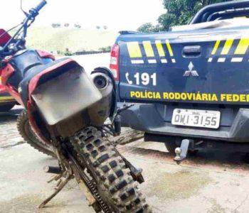 Moto tinha número do chassi e do motor adulterado   © PRF/Divulgação