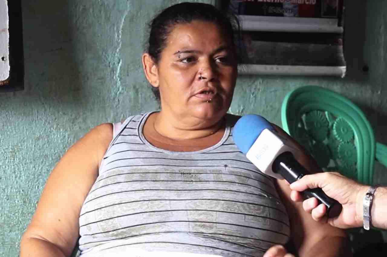 Adriana da Silva procurou o BR104 para fazer pedir ajuda e conseguir comprar remédios e alimentos | © BR104