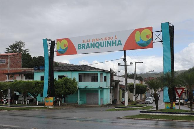 Entrada da cidade de Branquinha - @BR104