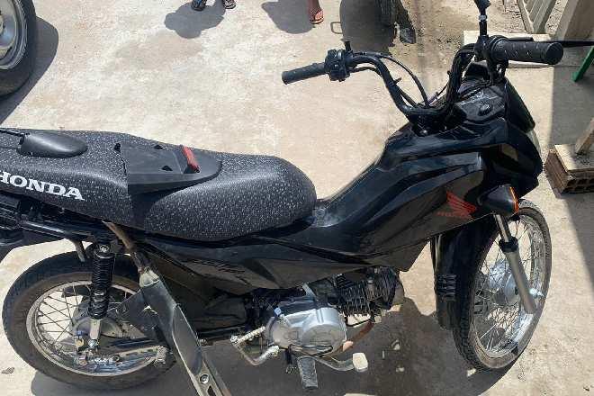 Moto recuperada pela Polícia Militar   © PMAL