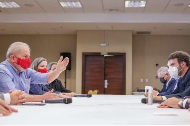 PT e PSB em reunião –© Ricardo Stucket