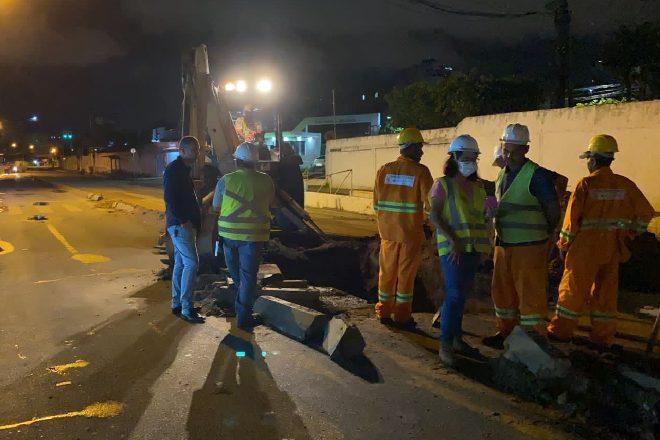 Operários durante execução de obras – © Assessoria